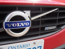 2015 Volvo V60 T6 R-Design Red front grill