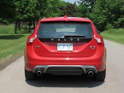 2015 Volvo V60 T6 R-Design Red rear taillight exhaust