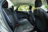 2015 ford focus se rear seats