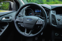 2015 ford focus se steering wheel