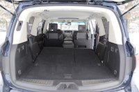2015 infiniti qx80 trunk space