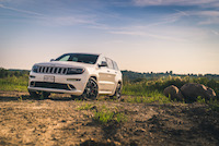 jeep grand cherokee srt bright white