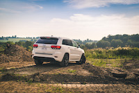 jeep grand cherokee srt white paint