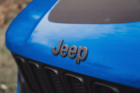 jeep renegade trailhawk badge