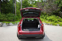 lexus nx300h trunk space