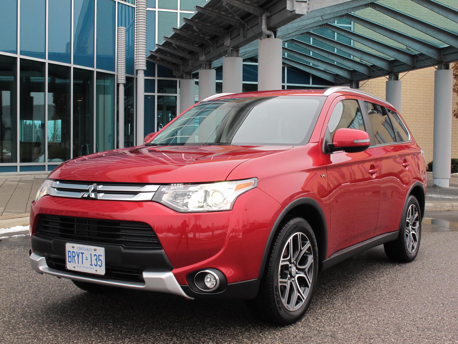 review 2015 mitsubishi outlander gt s awc canadian auto review. Black Bedroom Furniture Sets. Home Design Ideas