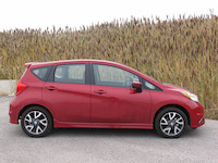 2015 nissan versa note sr red side