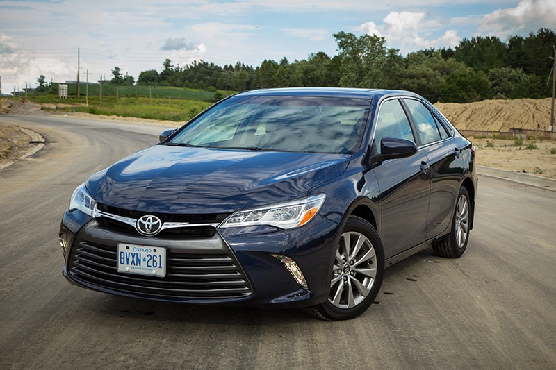 2015 toyota camry xle review