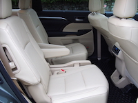 toyota highlander hybrid 2nd row seats