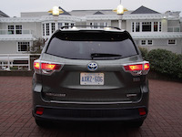 toyota highlander hybrid rear