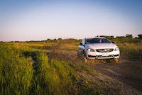 volvo v60 cross country mud offroad