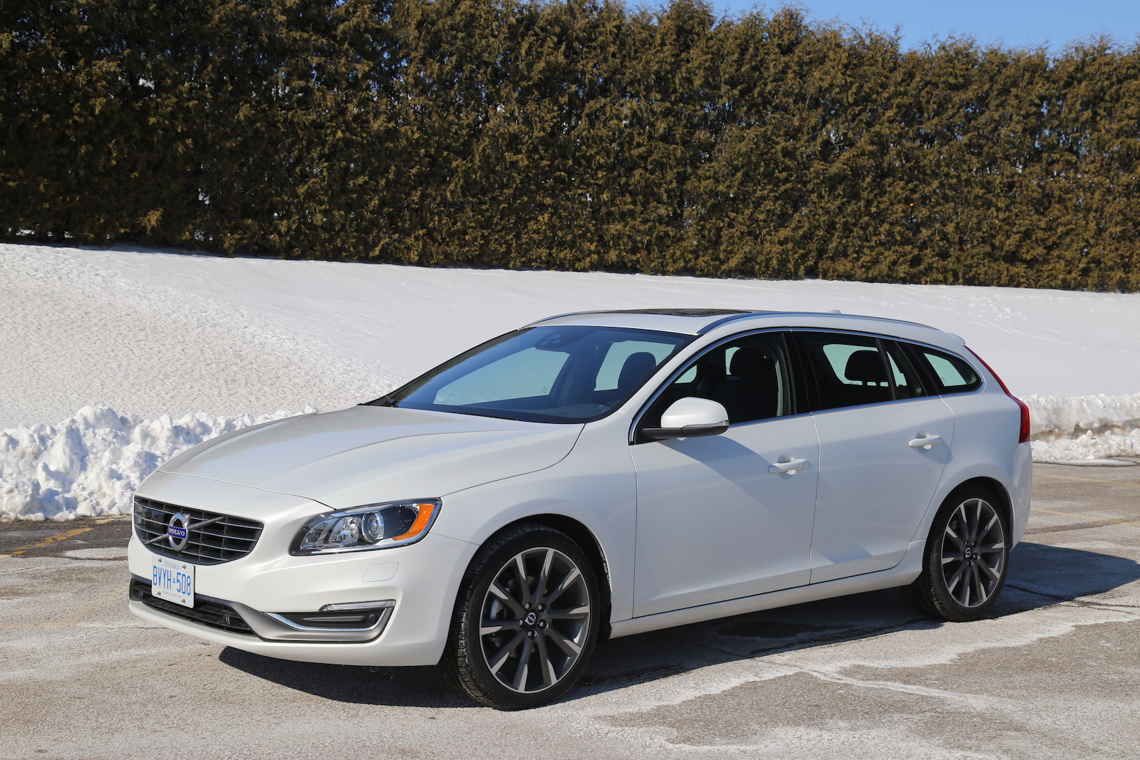 review 2015 volvo v60 t5 drive e canadian auto review. Black Bedroom Furniture Sets. Home Design Ideas