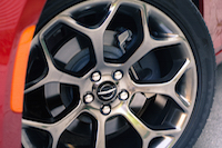 2016 Chrysler 300S wheels rims tires