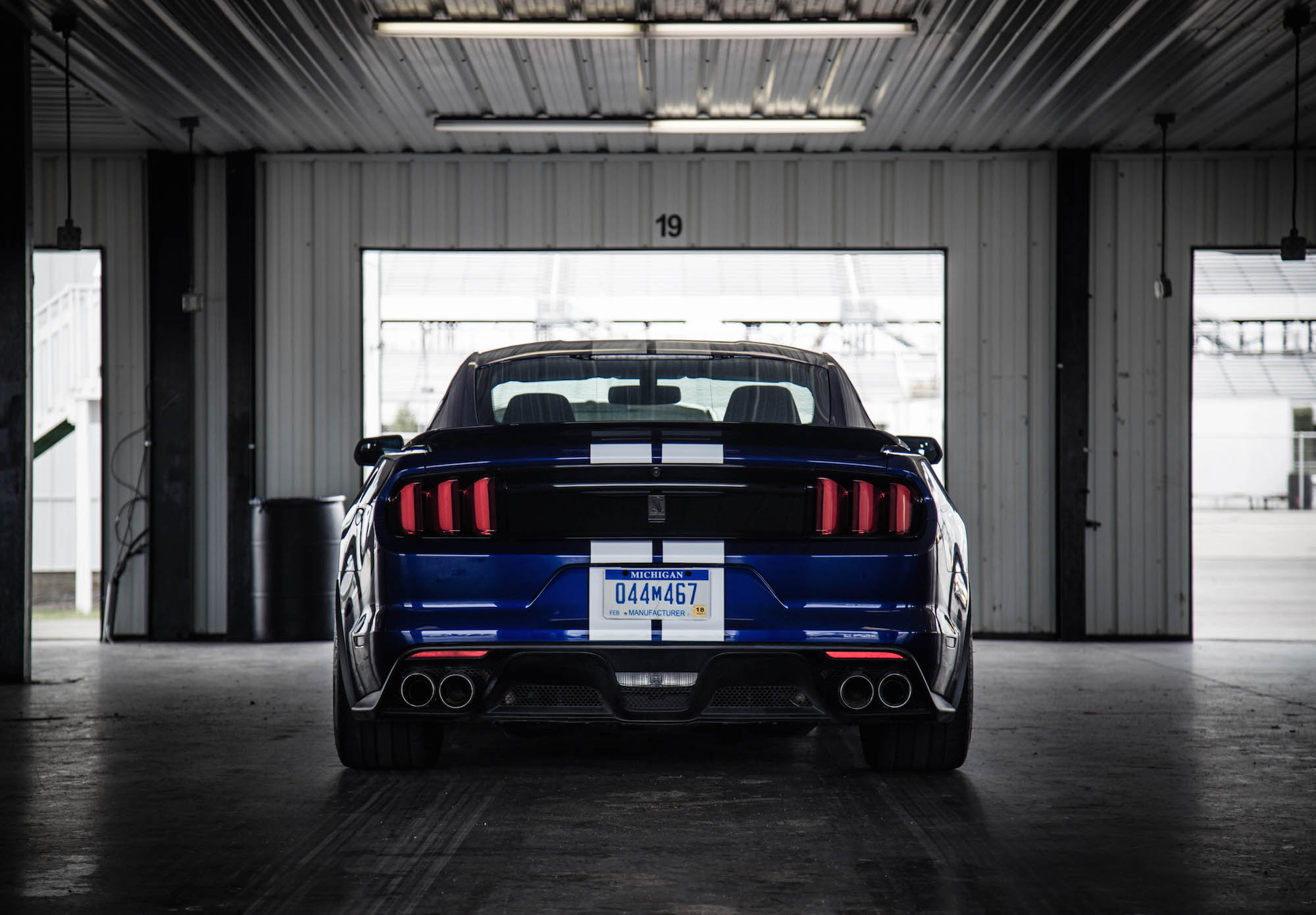 track test 2016 ford shelby gt350r canadian auto review. Black Bedroom Furniture Sets. Home Design Ideas