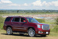 2016 GMC Yukon Denali red