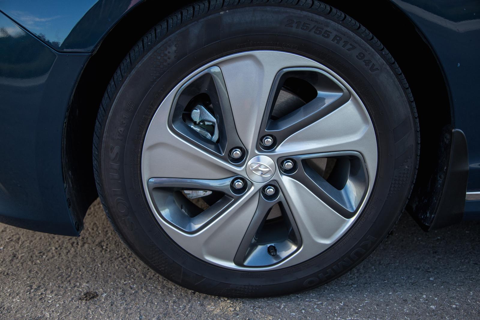 Hyundai Sonata Hybrid Tires on Hyundai Sonata