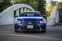 2016 Lexus GS F front view grill lights