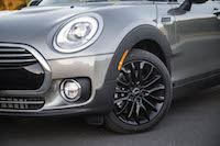 2016 MINI Cooper Clubman front wheels headlights