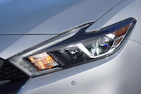 2016 Nissan Maxima SR headlights led
