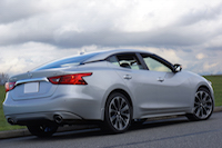 2016 Nissan Maxima SR rear view floating roofline