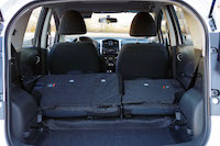 nissan versa note trunk