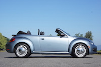 2016 褔士 Volkswagen Beetle Denim Convertible side view
