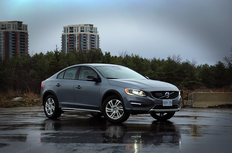 2016 volvo s60 cross country canada