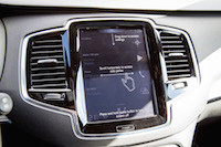 Volvo XC90 R-Design swipe pinch touchscreen