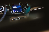 Volvo XC90 T8 PHEV Plug-in center console