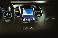 Volvo XC90 T8 PHEV Plug-in display