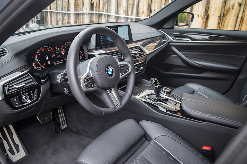 2017 BMW 540i xDrive black interior nappa leather