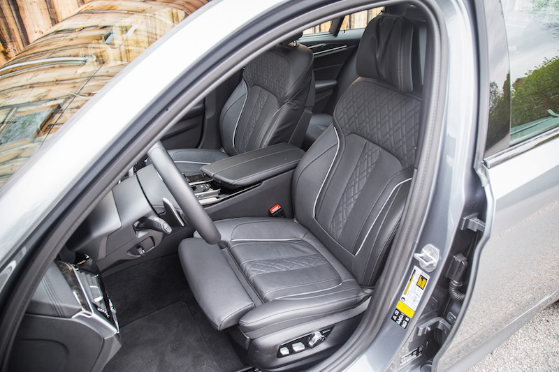 2017 BMW 540i xDrive front seats nappa leather black