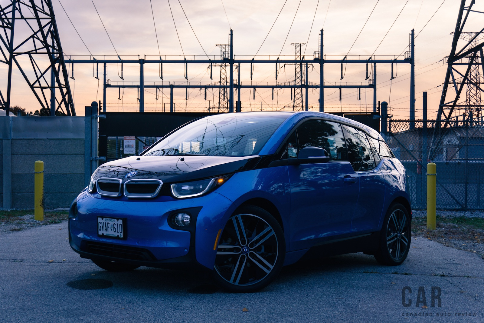 review 2017 bmw i3 w rex canadian auto review. Black Bedroom Furniture Sets. Home Design Ideas