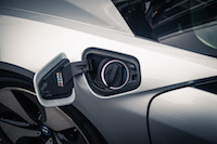 2017 BMW i8 plug in socket