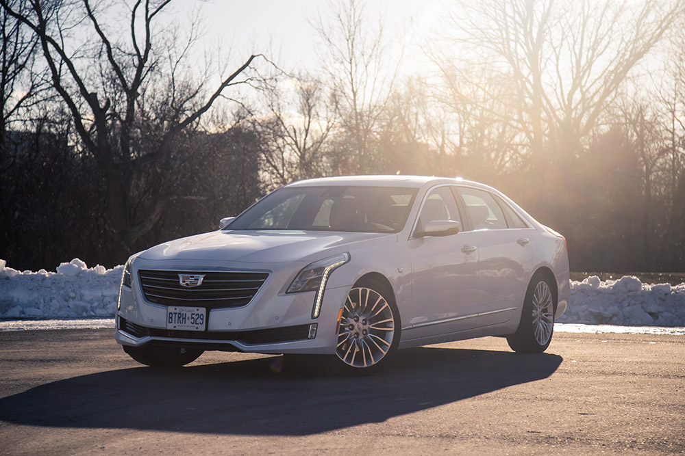 Cadillac CT6 Luxury crystal white tricoat metallic paint