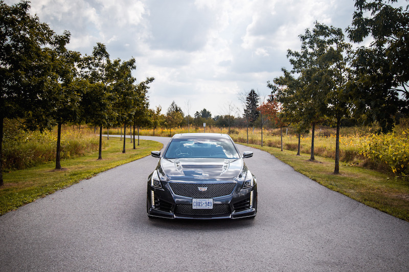 2017 Cadillac CTS-V front view carbon black package