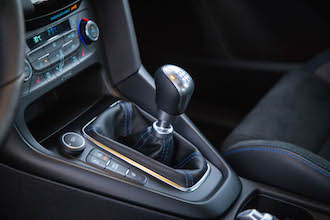 2017 Ford Focus RS manual gear shifter