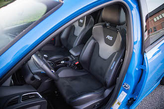 2017 Ford Focus RS front recaro seats