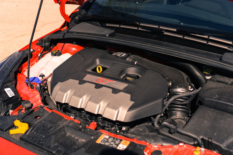 2017 Ford Focus ST engine bay