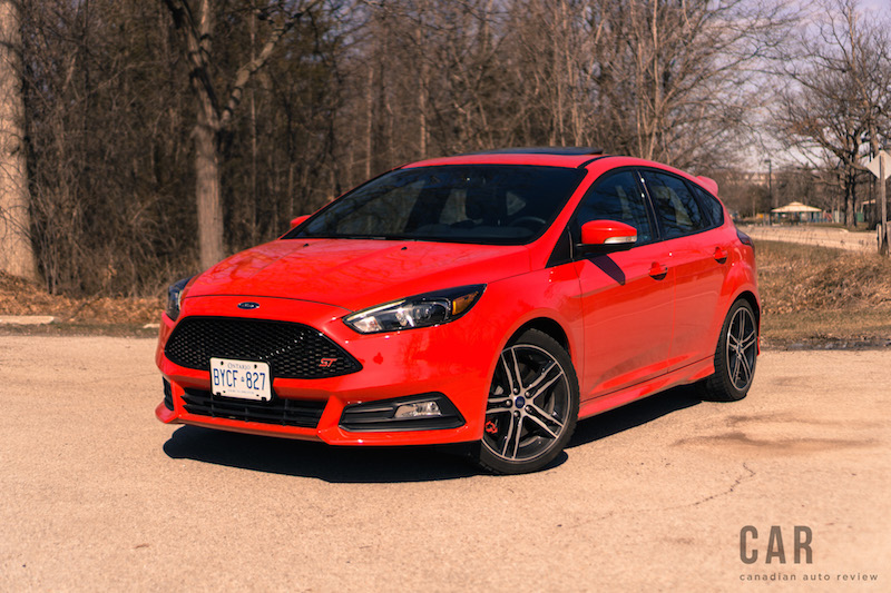 2017 Ford Focus ST race red paint