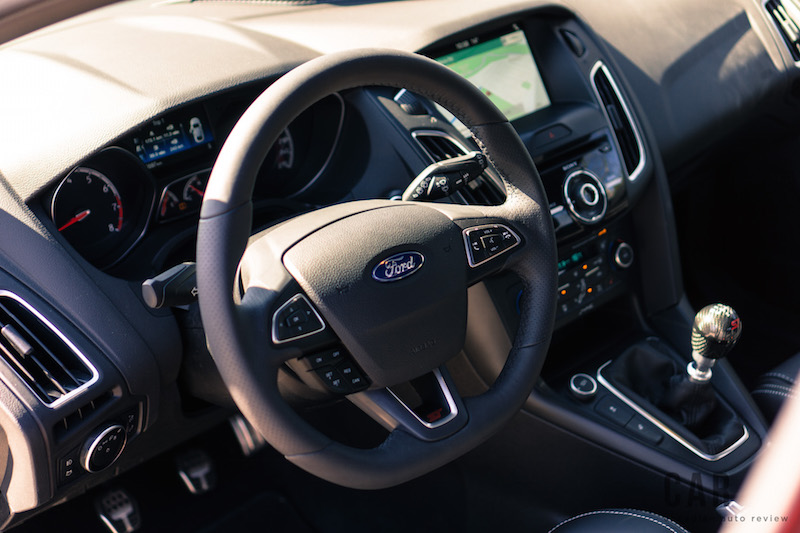 2017 Ford Focus ST interior steering wheel