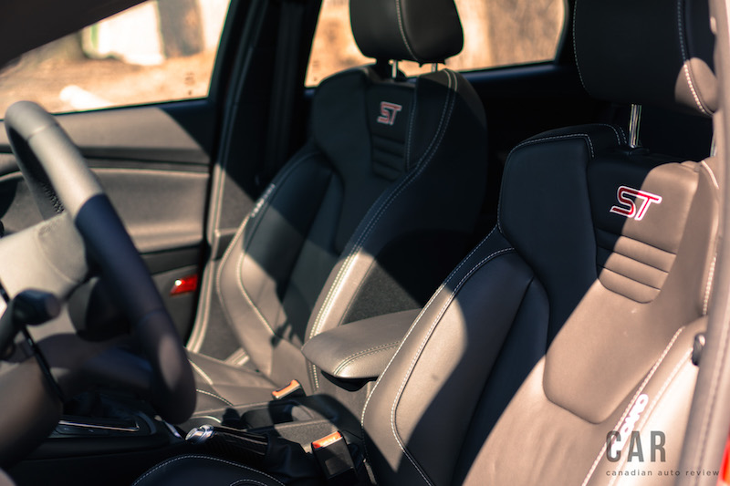 2017 Ford Focus ST front seats