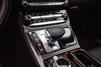 2017 Genesis G90 3.3T gear shifter center console