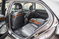 2017 Genesis G90 3.3T rear seat legroom