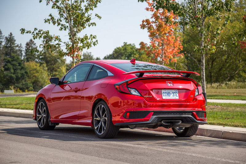2017 Honda Civic Si Coupe rear quarter view