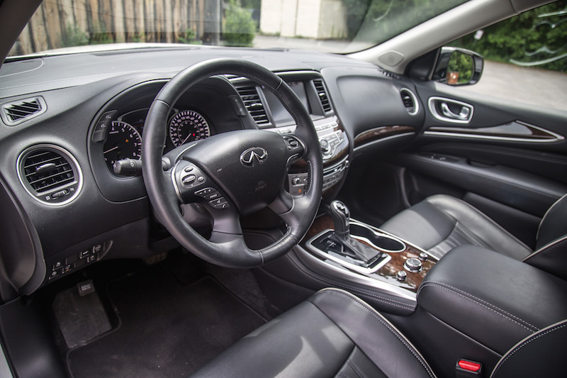 2017 Infiniti QX60 AWD black interior