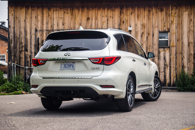 2017 Infiniti QX60 AWD rear view