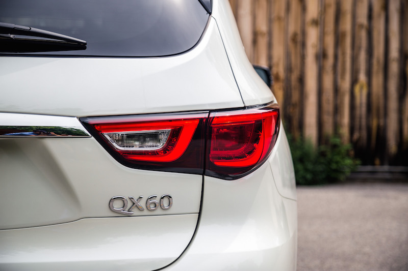 2017 Infiniti QX60 AWD tail lights led