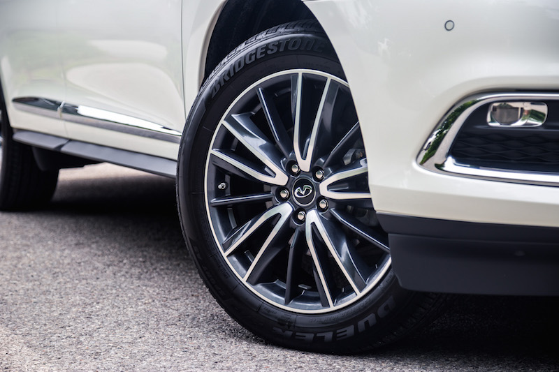 2017 Infiniti QX60 AWD 20 inch wheels