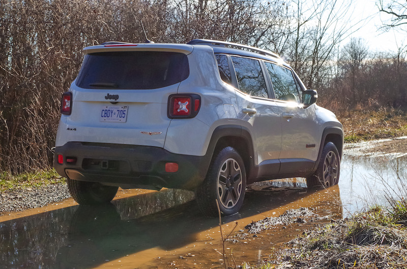 2017 Jeep Renegade Trailhawk rear quarter view